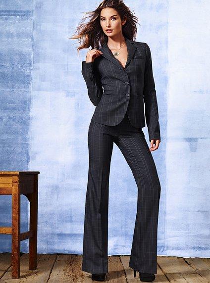Çizgili-Bayan-Takım-Elbise-Modelleri[1]