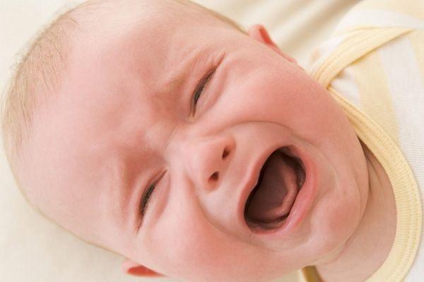 Bebeklerin Ağlama Nedenleri ve Çözüm Önerileri