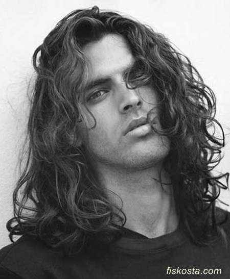 kıvırcık erkek uzun saç modelleri