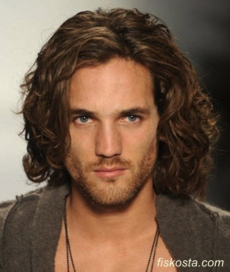 uzun saç modelleri erkek kıvırcık