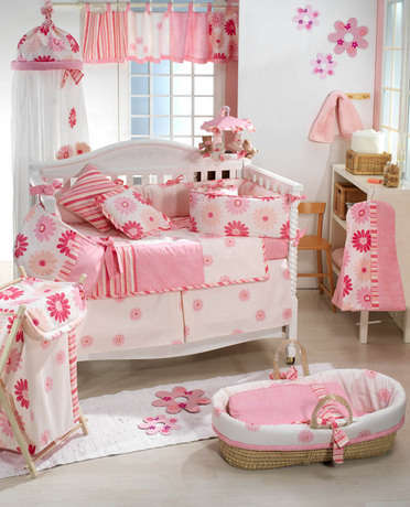decorating-a-baby-room[1]