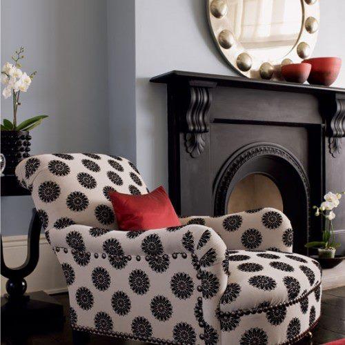 tekli-siyah-beyaz-desenli-koltuk[1]